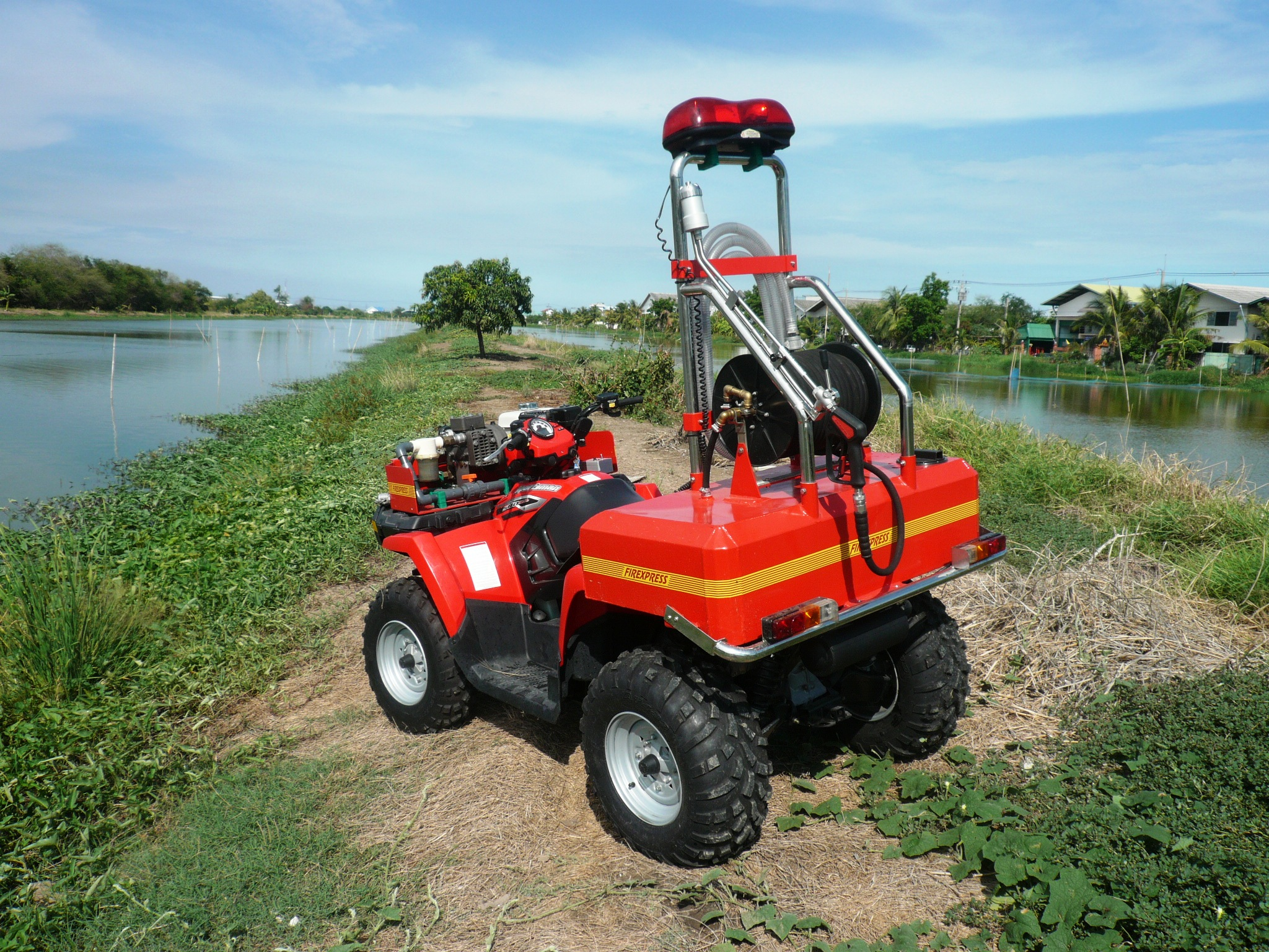 Polaris X2 570 with Firexpress fire fighting equipment